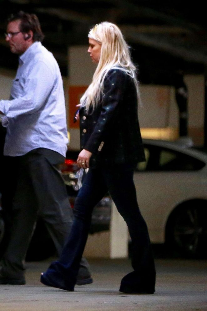 Jessica Simpson - Shopping at Barneys New York in Beverly Hills