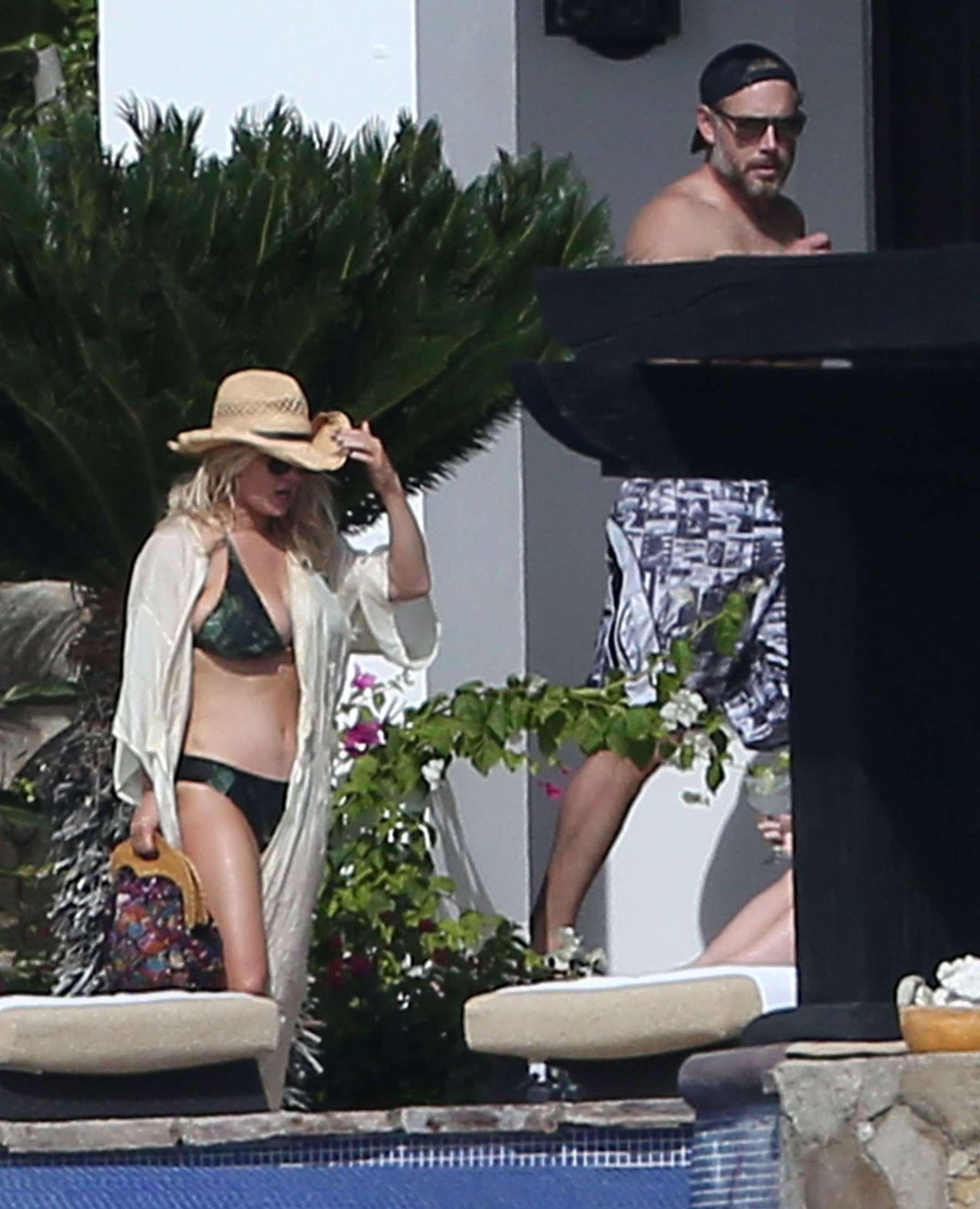 Lucas cabo jessica san bikini simpson