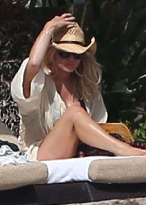 Recommend you Jessica simpson bikini cabo san lucas apologise