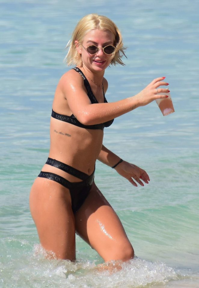 Jessica Woodley 2017 : Jessica Woodley in Black Bikini 2017 -23