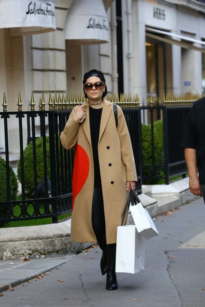 Jessie J at Avenue Montaigne in Paris