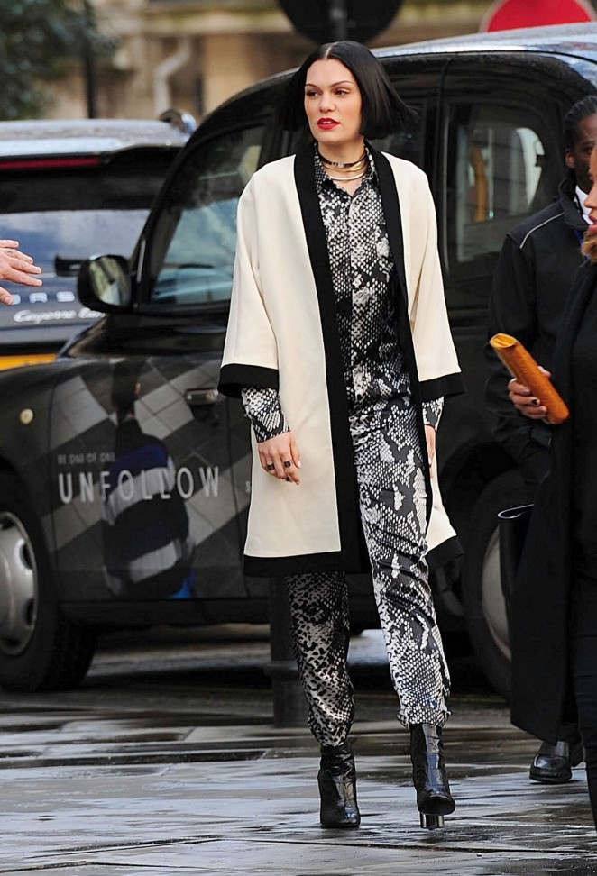 Jessie J - Filming a music video in London
