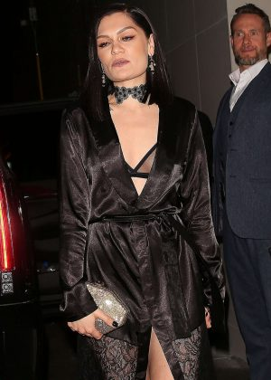 Jessie J - Leaves Catch in LA