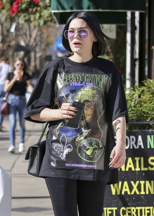 Jessie J - Ouy and about in Los Angeles