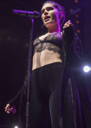 Jessie J - Performing at Manchester Albert Hall