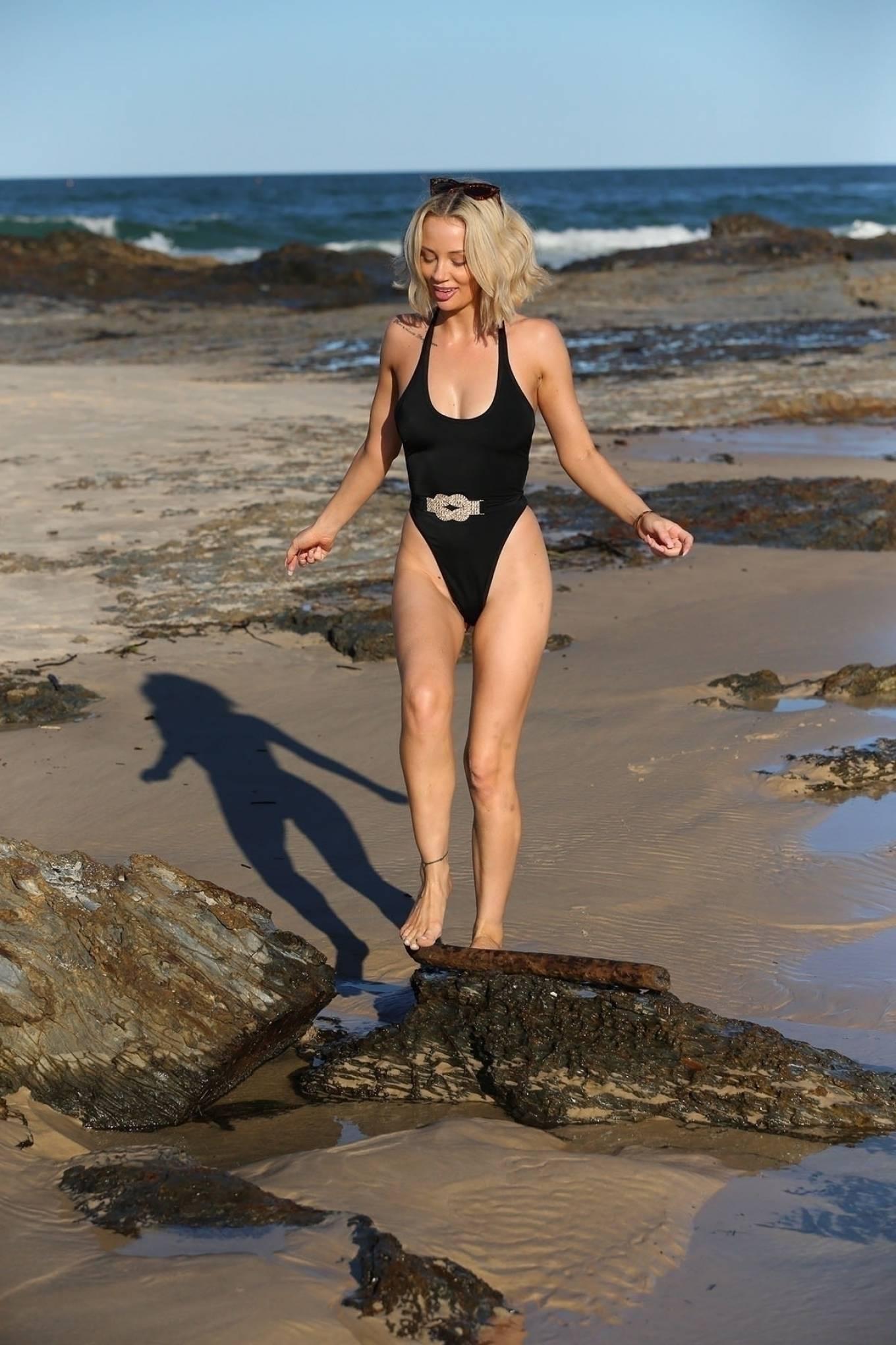 Jessika Powers 2021 : Jessika Powers – PrettyLittleThing shoot in Currumbin-01