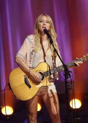 Jewel Kilcher - Performs at 'Jimmy Kimmel Live' in Hollywood
