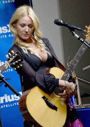 Jewel Kilcher - SiriusXM Acoustic Christmas With Jewel And Shawn Mullins in Nashville