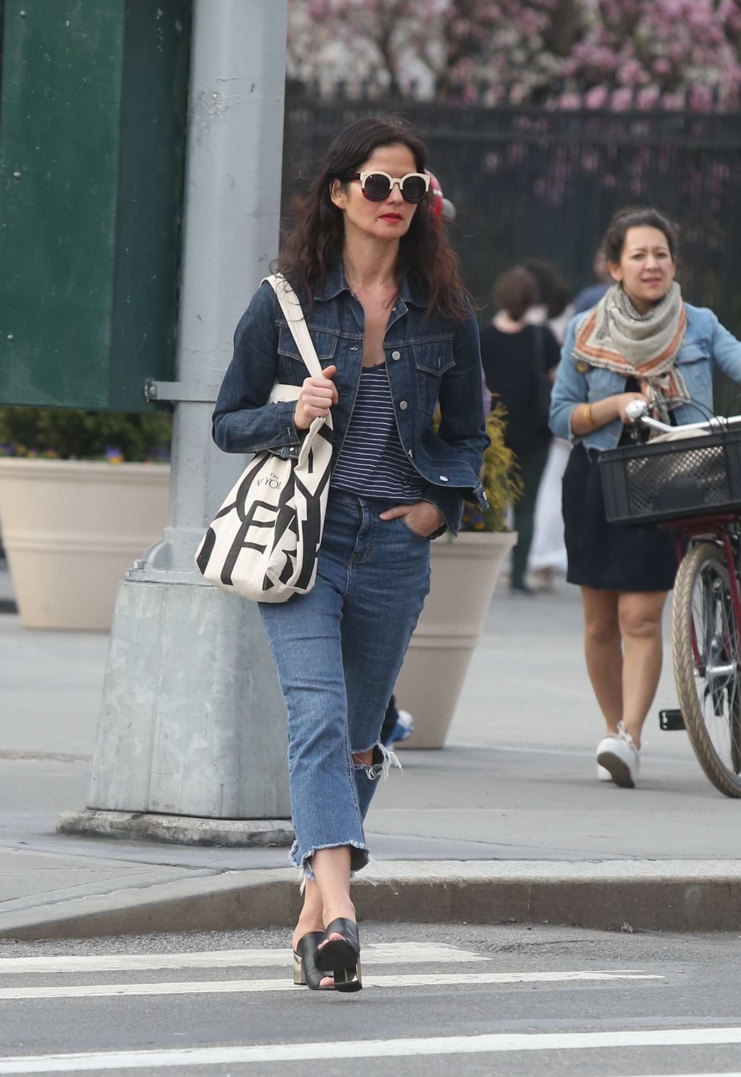 Jill Hennessy Out In The West Village Gotceleb