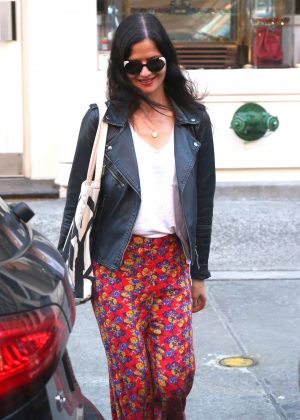 Jill Hennessy - Shopping in the East Village