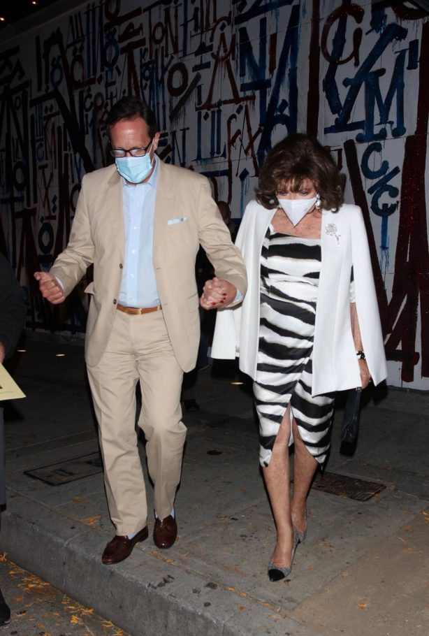 Joan Collins - On a dinner date at Craig's in West Hollywood