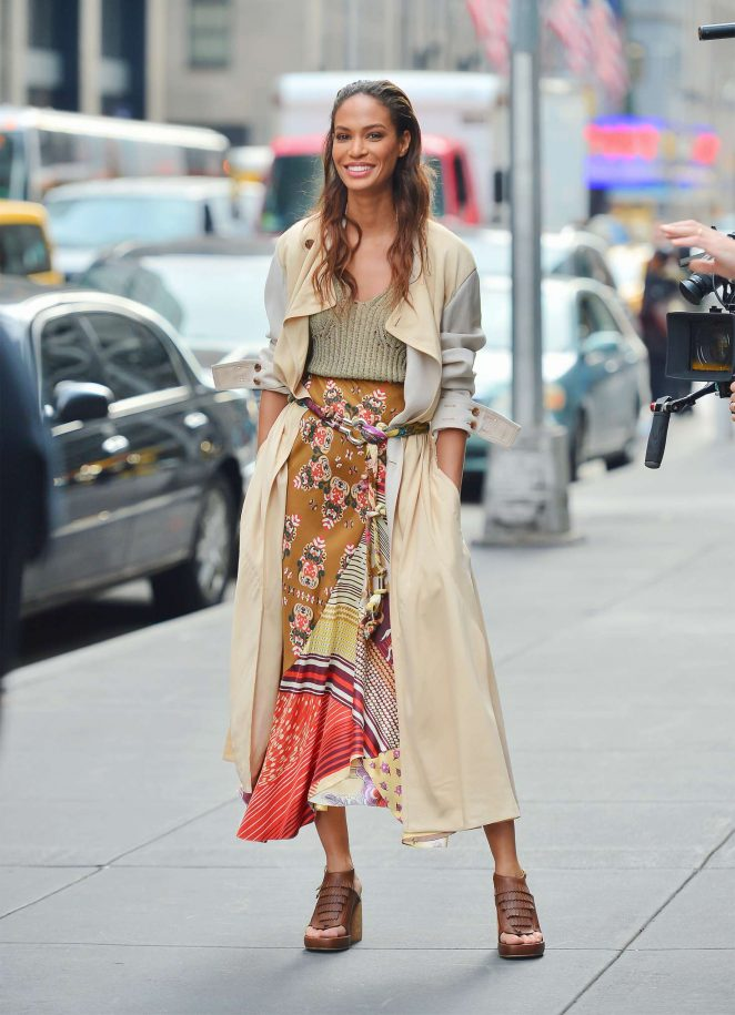 Joan Smalls - Doing a photoshoot in New York