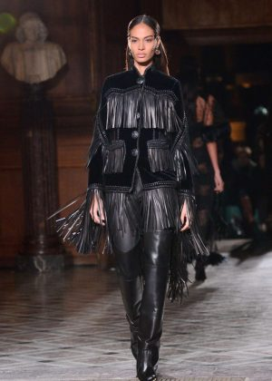 Joan Smalls - Givenchy Menswear Fall/Winter 2017-2018 Show in Paris