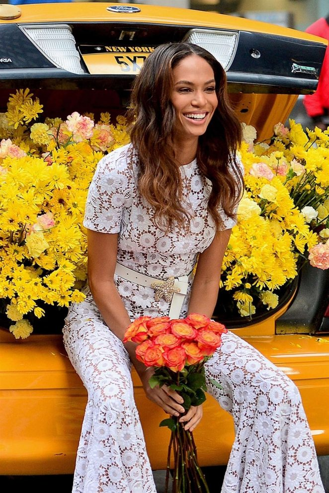 Joan Smalls - On a Photoshoot with a cab full of daisies in NYC