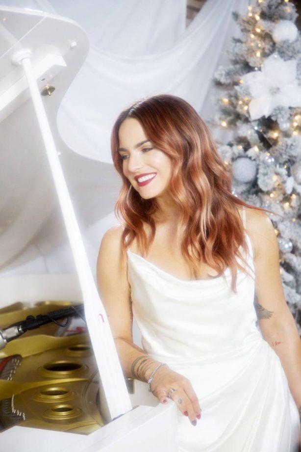 Joanna JoJo Levesque - Lady Gunn Magazine - December 2020