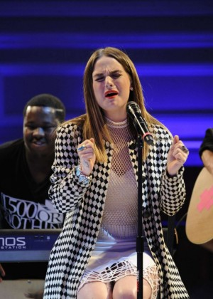 Joanna JoJo Levesque - Performing at Art Hearts Fashion LAFW Event in Hollywood