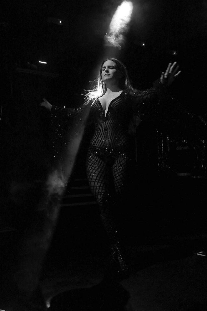 Joanna Jojo Levesque - Performs at KOKO in Camden