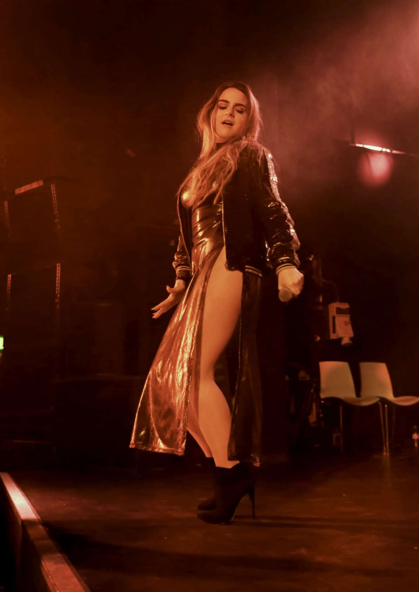Joanna Jojo Levesque - Performs iIn Manchester