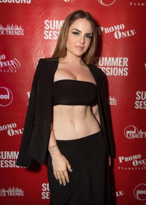 Joanna JoJo Levesque - Summer Sessions 2015 in Atlantic City