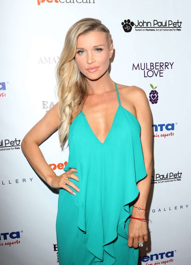 Joanna Krupa – 2nd Annual Art for Animals Fundraiser Evening For Eastwood Ranch Foundation in LA