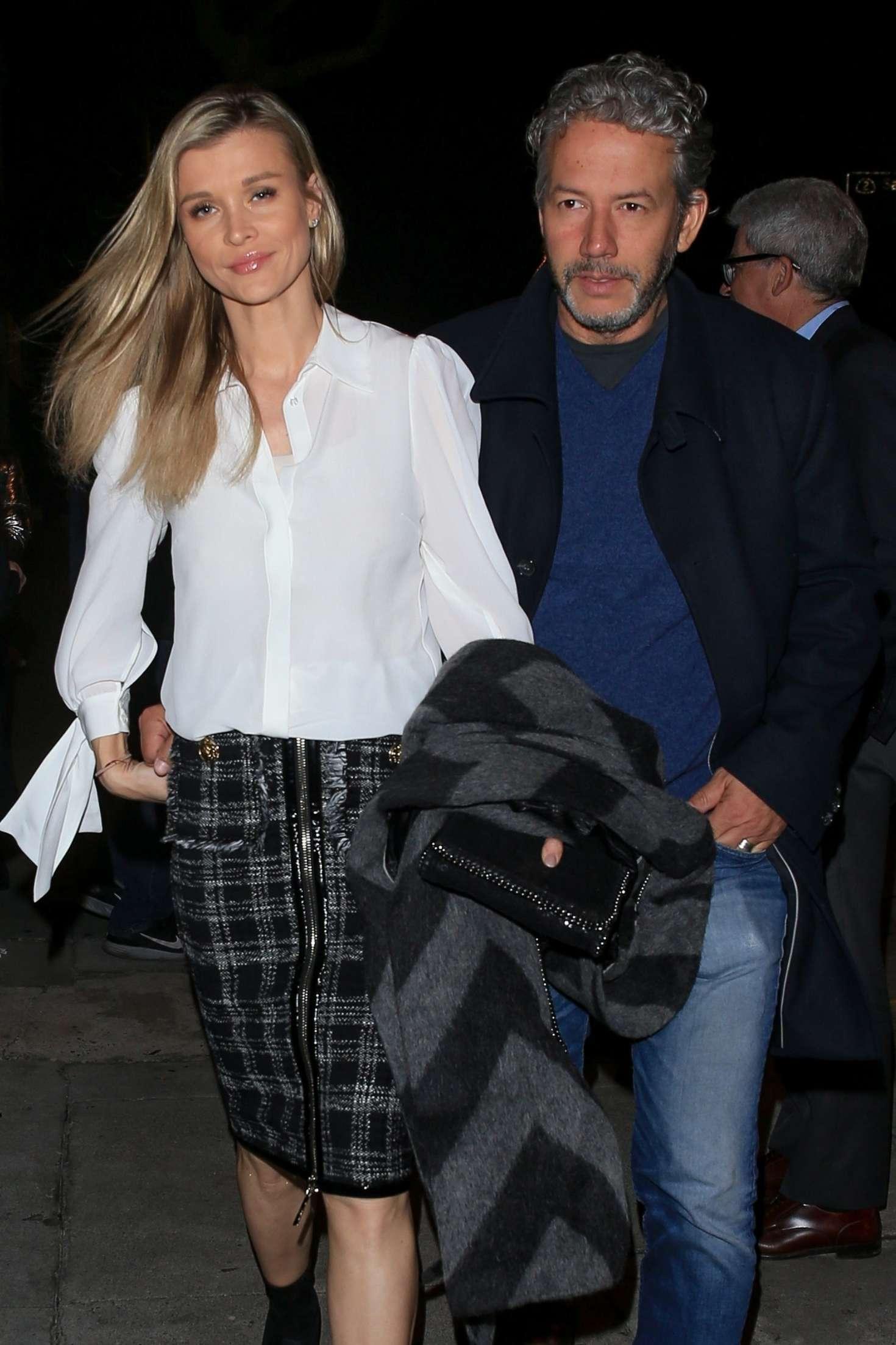 Joanna Krupa - Arrives at Craig's in West Hollywood