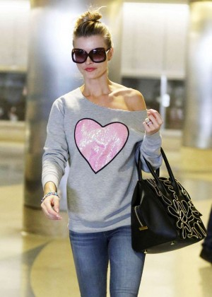 Joanna Krupa - Arrives at Los Angeles International Airport