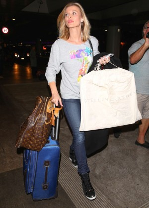 Joanna Krupa - Arriving at LAX Airport in LA