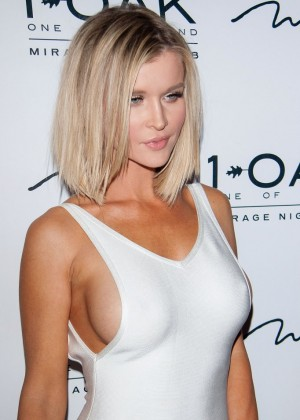Joanna Krupa at 1 OAK Nightclub in Las Vegas