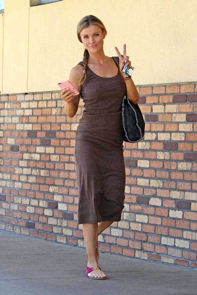 Joanna Krupa at CVS pharmacy in Studio City -08