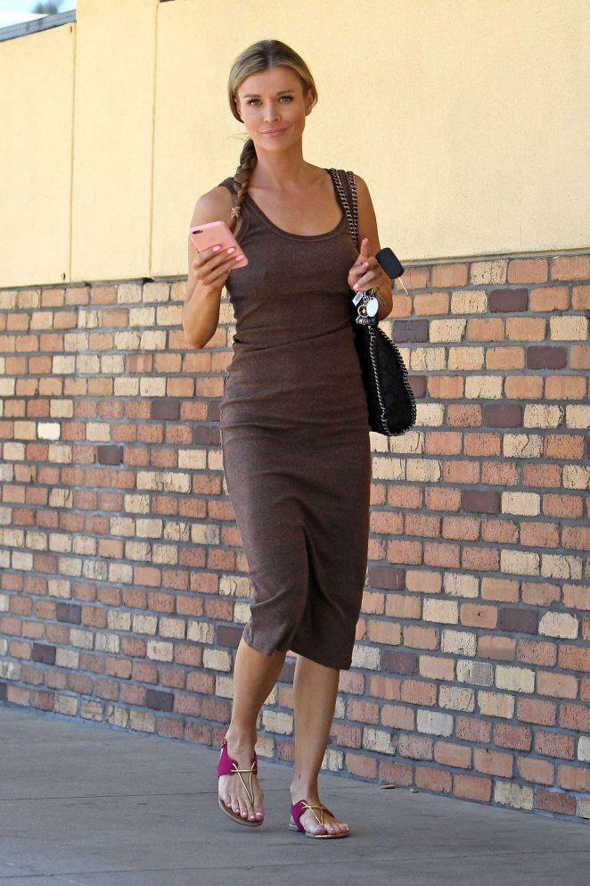 Joanna Krupa at CVS pharmacy in Studio City -09