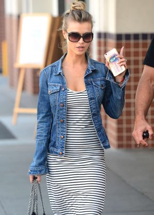 Joanna Krupa - Heads to lunch in Beverly Hills