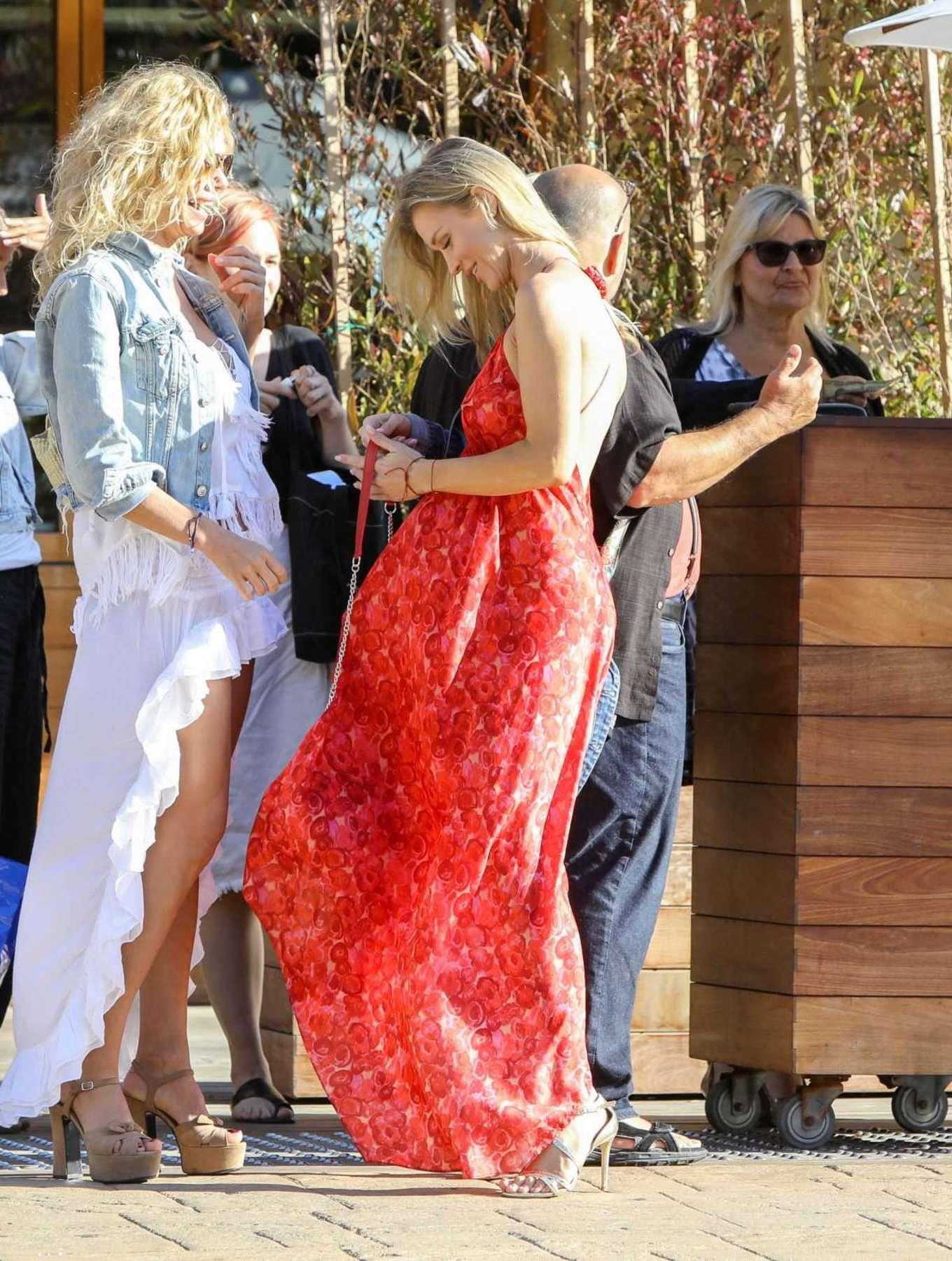 Joanna krupa at soho beach house in malibu new photo