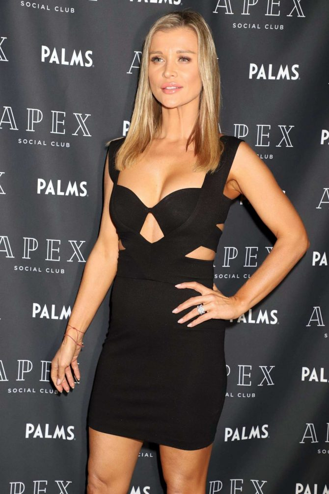 Joanna Krupa – Launches her Skin Care Line 'Elphia Beauty' in Las Vegas