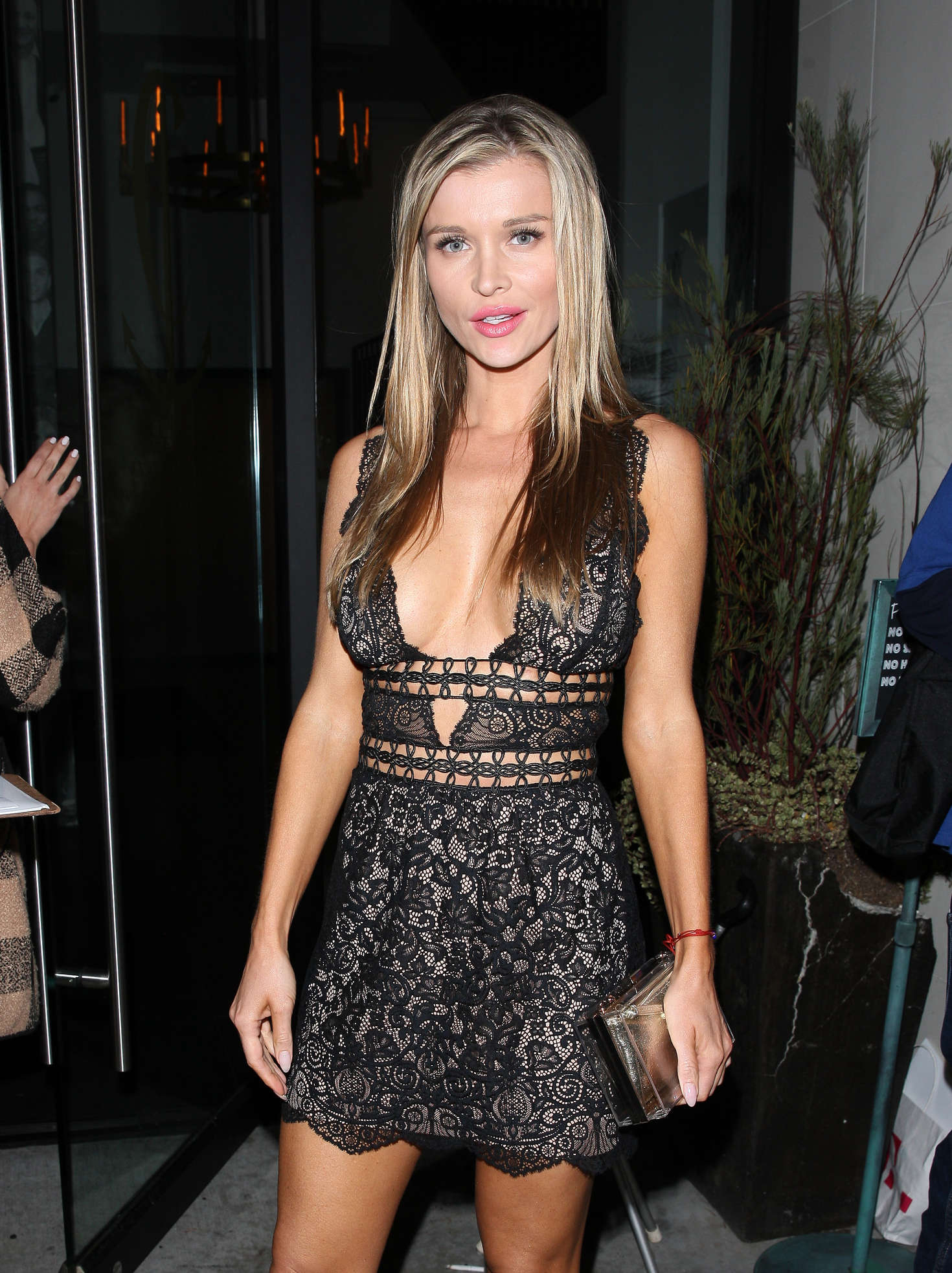 Joanna Krupa – Leaving Catch Restaurant in West Hollywood