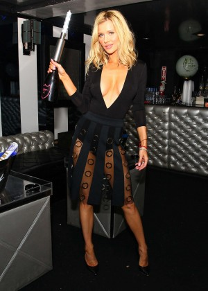 Joanna Krupa - Night out at Mynt Lounge in Miami