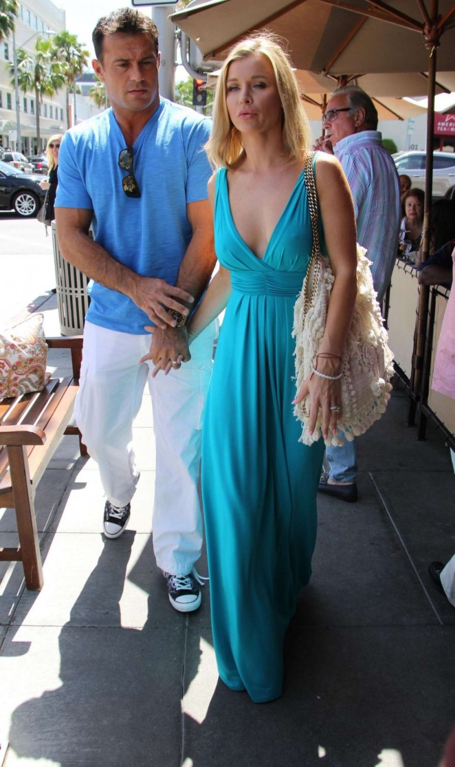 Joanna Krupa: Out in Beverly Hills -10