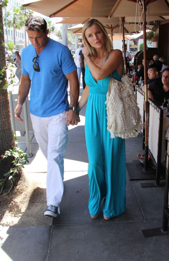 Joanna Krupa: Out in Beverly Hills -14