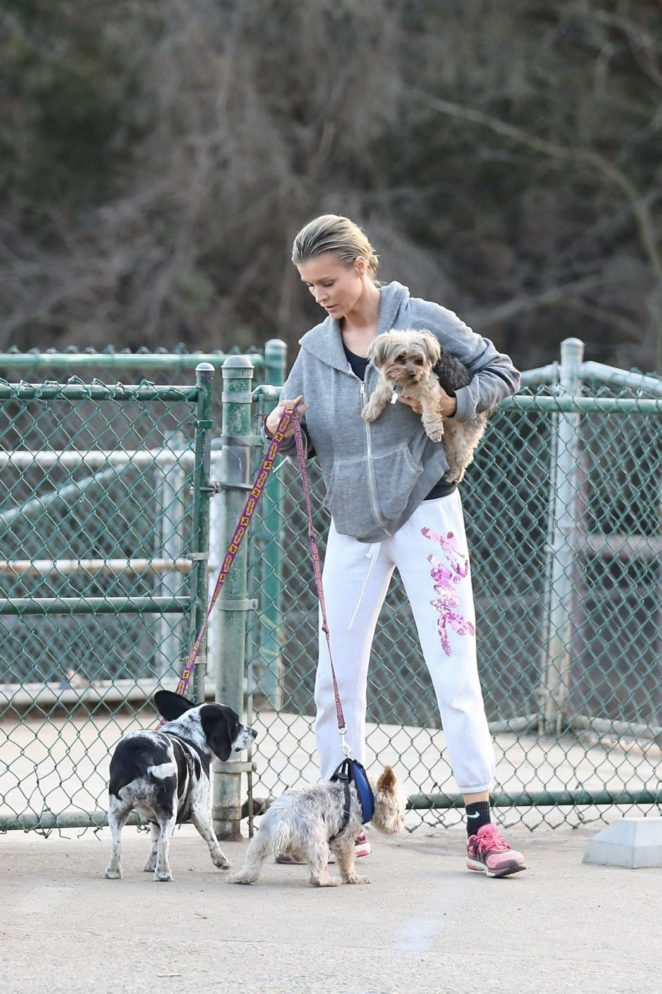 Joanna Krupa - Takes her six dogs to the dog park in Hollywood