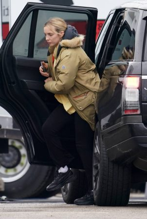 Jodie Comer - Grab some lunch at 'Help' set in Livrerpool