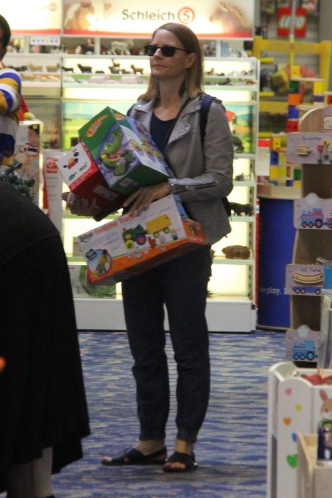 Jodie Foster – Christmas shopping for her children at Tom's Toys in Beverly Hills