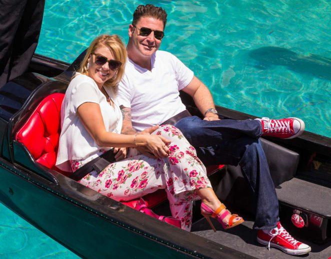 Jodie Sweetin a gondola ride in Las Vegas