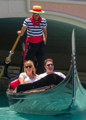 Jodie Sweetin a gondola ride in Las Vegas -06