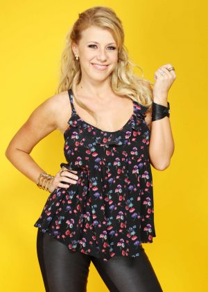 Jodie Sweetin: Backstage Portrait Studio at 102 7 KIIS FMs 2016 -04