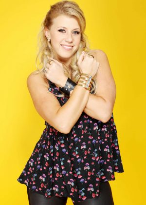 Jodie Sweetin: Backstage Portrait Studio at 102 7 KIIS FMs 2016 -08