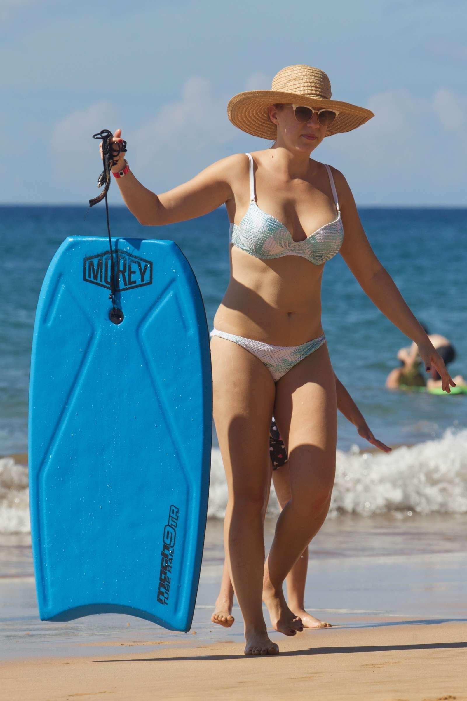 Jodie Sweetin 2017 : Jodie Sweetin in Bikini 2017 -01