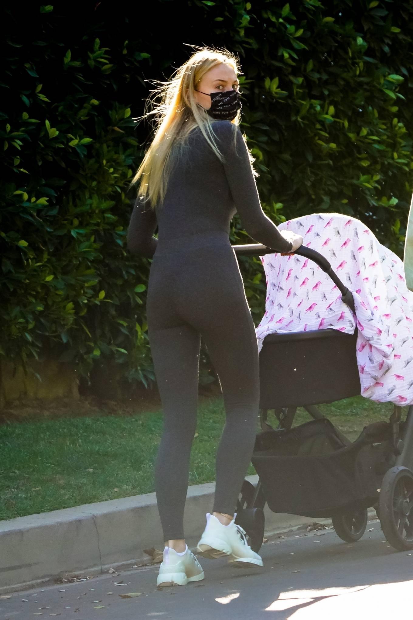 Sophie Turner 2020 : Joe Jonas and Sophie Turner with their daughter Willa in Los Angeles-05