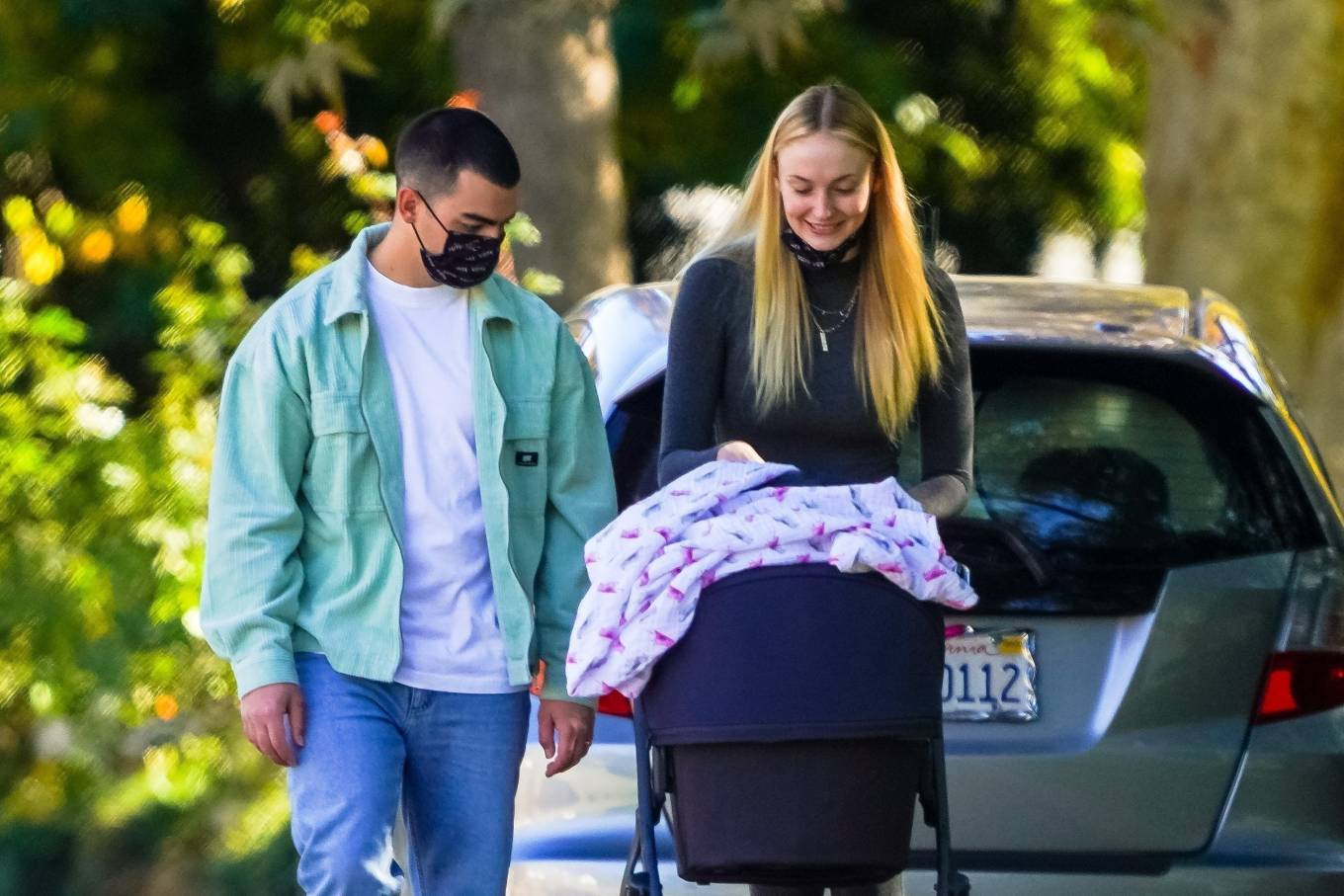 Sophie Turner 2020 : Joe Jonas and Sophie Turner with their daughter Willa in Los Angeles-07