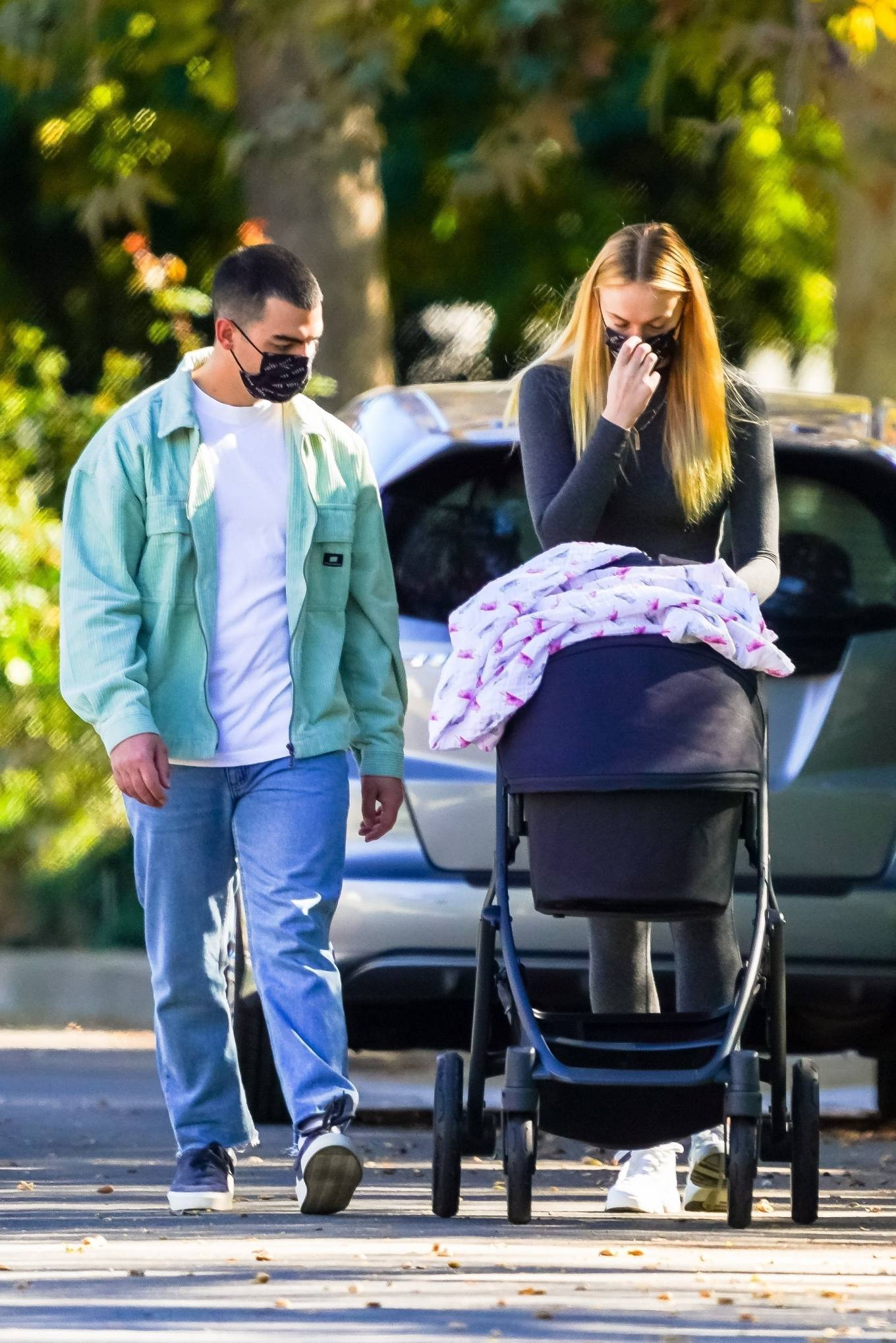 Sophie Turner 2020 : Joe Jonas and Sophie Turner with their daughter Willa in Los Angeles-10