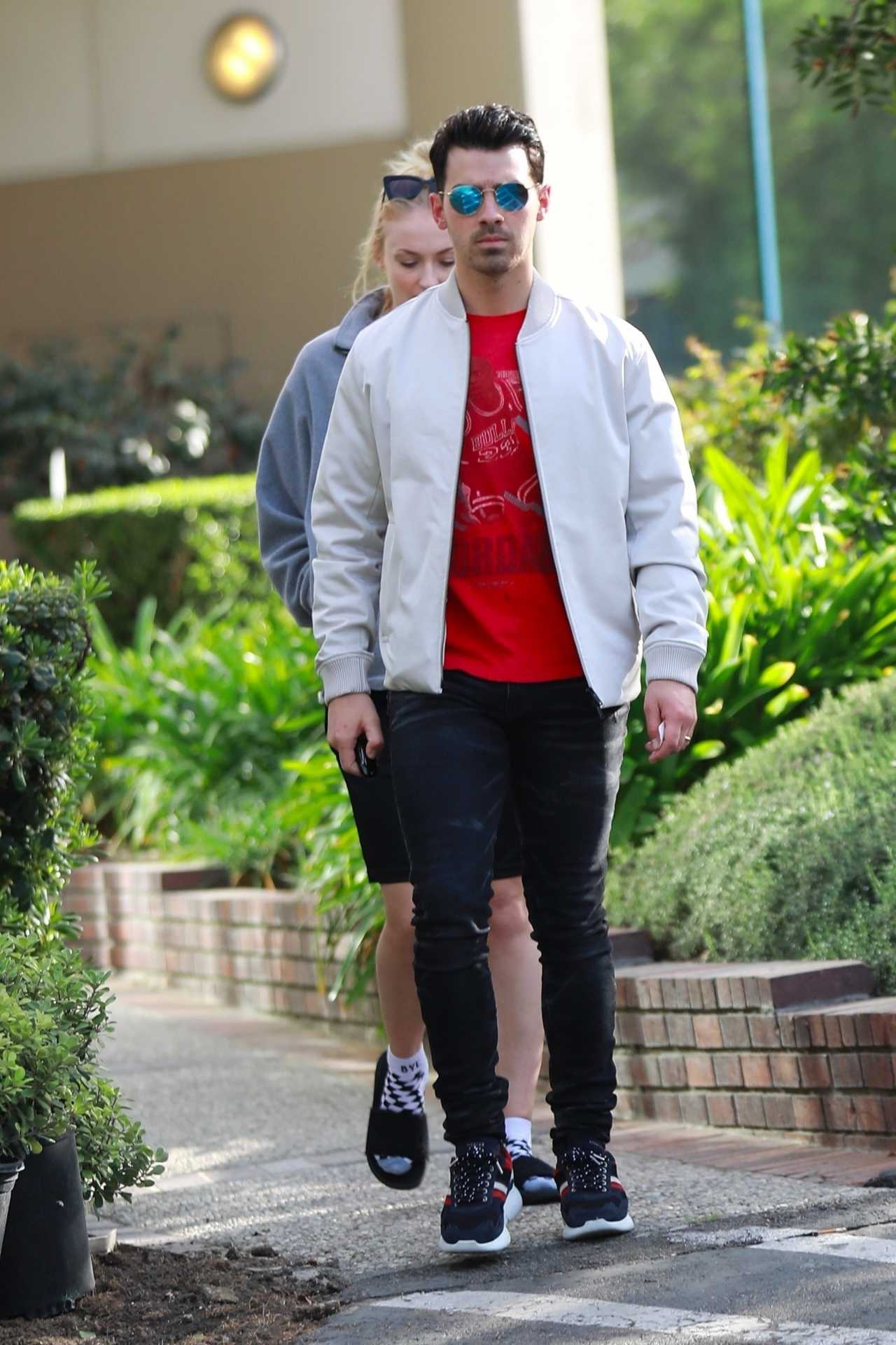 Sophie Turner 2020 : Joe Jonas with Sophie Turner – Seen out in Los Angeles-04