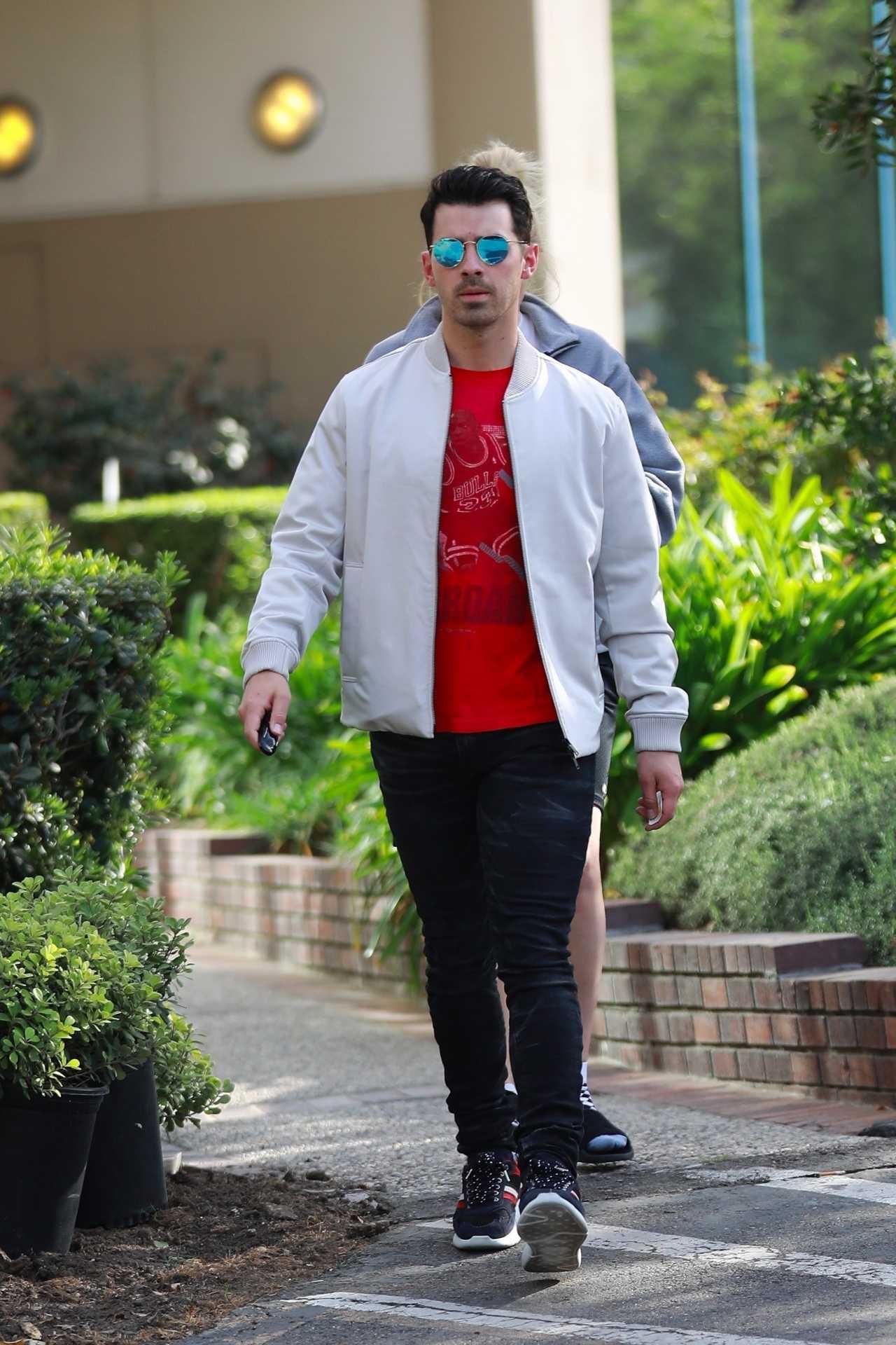 Sophie Turner 2020 : Joe Jonas with Sophie Turner – Seen out in Los Angeles-23
